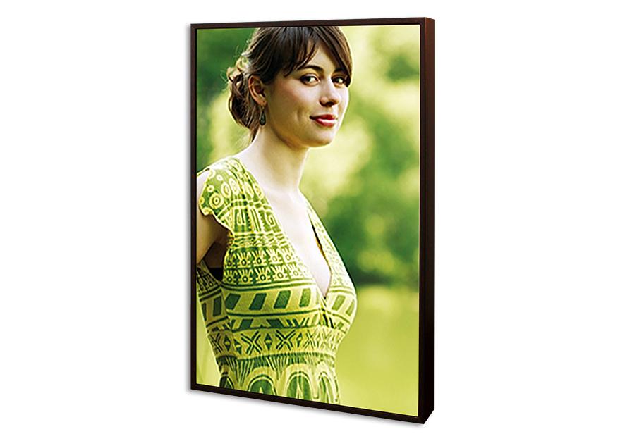 eigenes foto auf acryl glas mit holzrahmen im hochformat bei. Black Bedroom Furniture Sets. Home Design Ideas